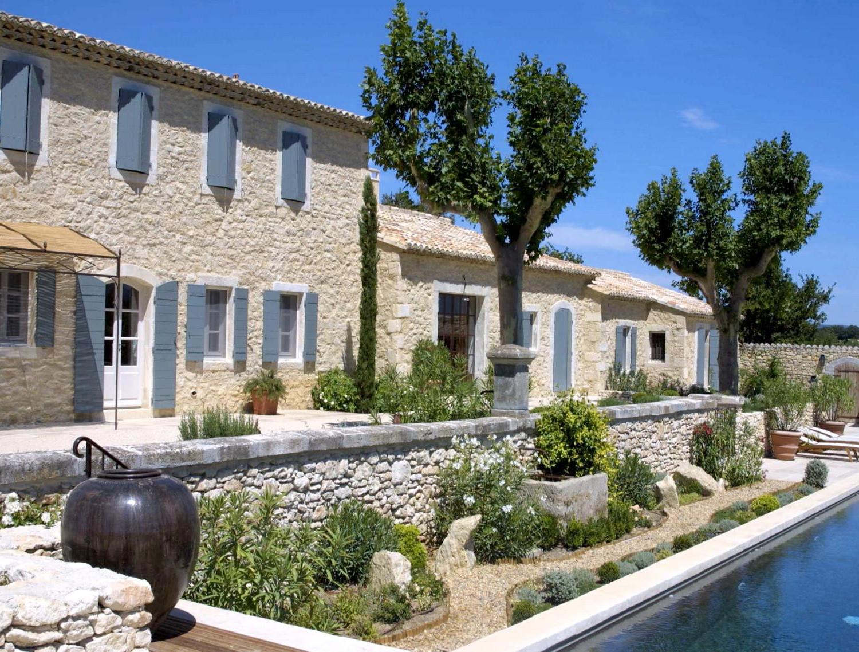 Petite maison provencale for Maison contemporaine provencale